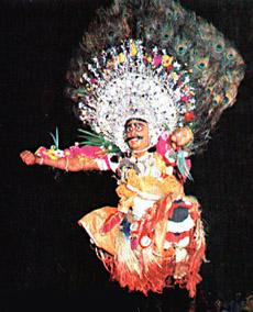 Foto: un momento della danza Chhau, Festival Attraverso di Ca' Colmello (BO)