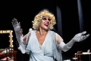 "Foto di scena: Elisabetta Pozzi ne ""La Diva"", al Teatro Sala Fontana di Milano"