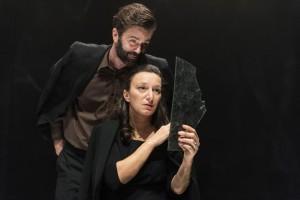 Foto di scena: Utoya, Mattia Fabris e Arianna Scommegna - ATIR, in scena al Teatro Filodrammatici di Milano dal 9 al 14 gennaio 2018