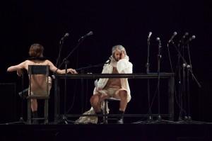 """Foto di scena: L'armata dei sonnambuli, in """"Due lavori di Pino Carbone"""", al Teatro Bellini di Napoli dal 31 ottobre al 5 novembre 2017"""