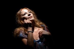 Foto: Raffaella Azim in Marianna Ucria - Teatro Vascello di Roma 13 e 14 novembre 2017