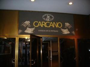 Foto: ingresso del Teatro Carcano di Milano
