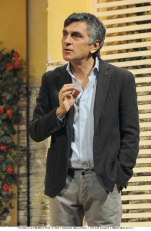Foto di scena: Una festa esagerata …!, Vincenzo Salemme, al Teatro Manzoni di Milano fino al 1° gennaio 2018