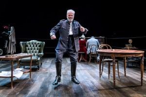 Foto di scena: Play Strindberg, al centro Franco Castellano, al Teatro Menotti di Milano fino a domenica 3 dicembre 2017