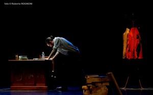 Foto di scena: Fuori misura, Andrea Robbiano, al Teatro Leonardo di Milano dal 5 all'8 aprile 2018