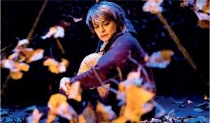Foto di scena: Una ragazza lasciata a metà, Elena Arvigo © Teatro Out Off Milano