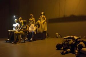Foto di scena: Il teatro comico di Carlo Goldoni, regia di Roberto Latini, fino a domenica 25 marzo 2018